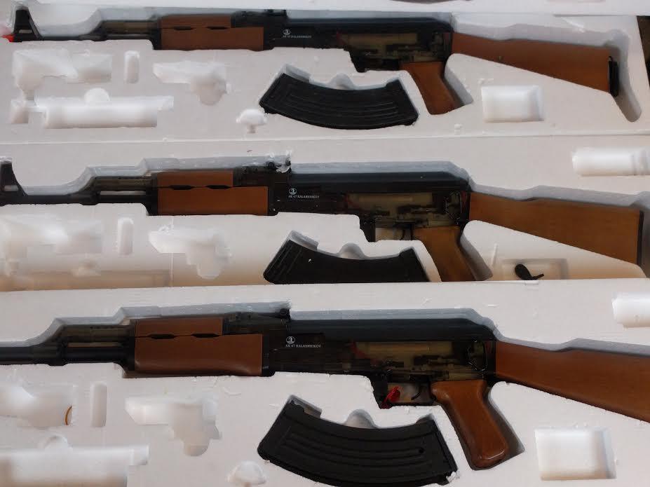 LOT OF 4 AK47 RIFLES BY CYBERGUN SMOKE