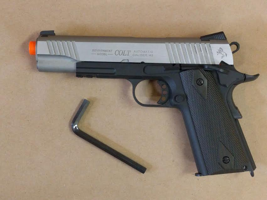 1911 RAIL GUN SILVER/BLACK