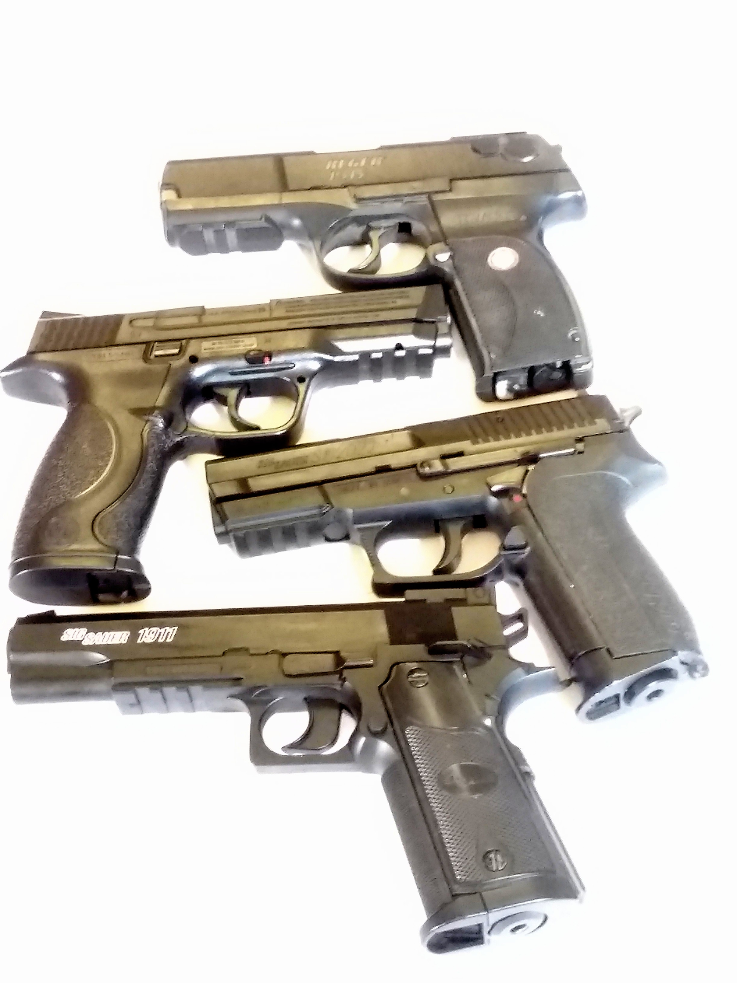 LOT OF 4 CO2 BB PISTOLS FOR REPAIR